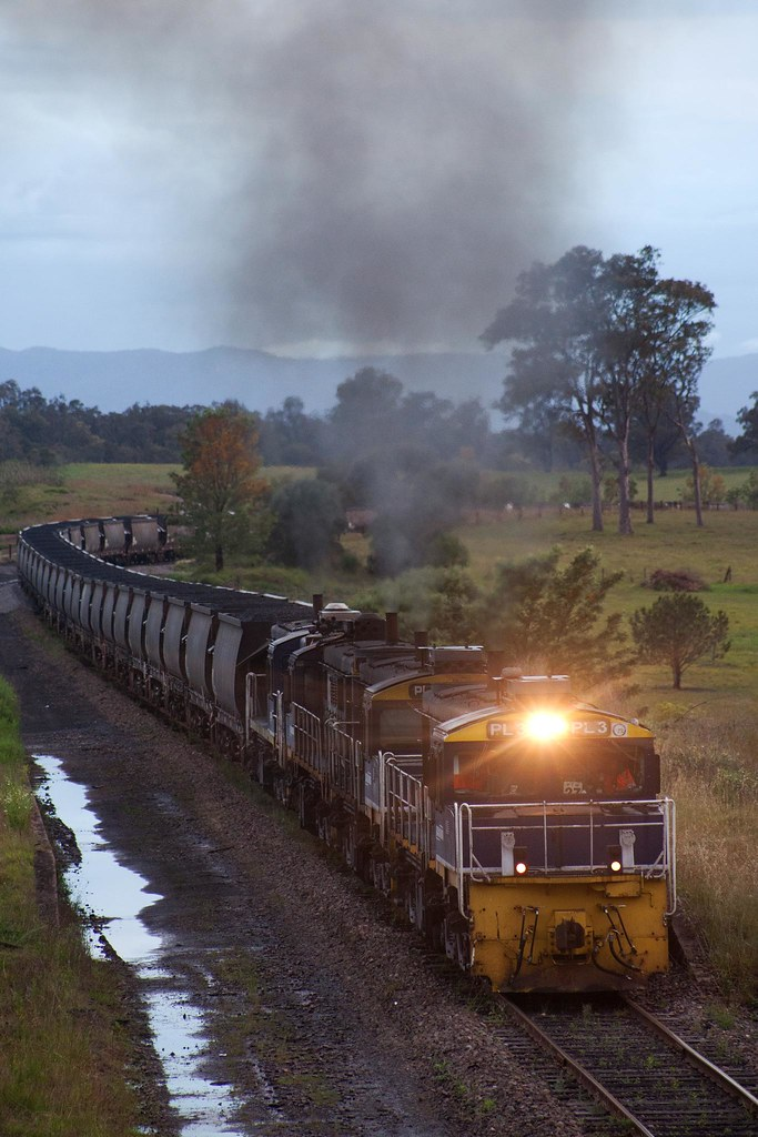 PL3 at Gillieston by Trent
