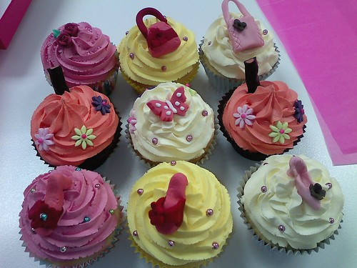 Shoe and handbag cupcakes