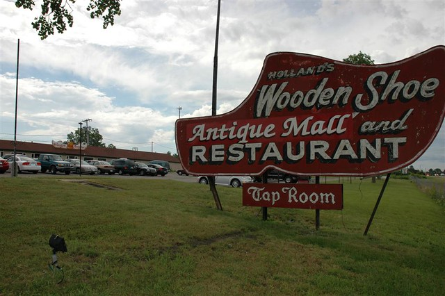 Wooden Shoe Restaurant and Antique Mall
