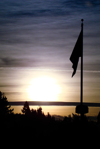 oregon sunrise dawn us flag eugene springfield sihouette usflag