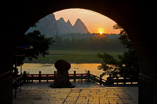 Sunrise on the Li River at Yangshou