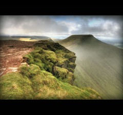 1000 FEET DOWN - CORN DHU TO PEN Y FAN