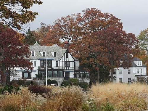 autumn brown ny newyork fall oak distillery larchmont larchmontmanor