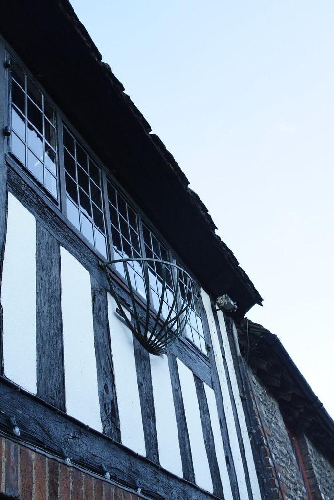 IMG_5806 Tudors時期就存在的建築 黑白相間是這個時期的特色之一