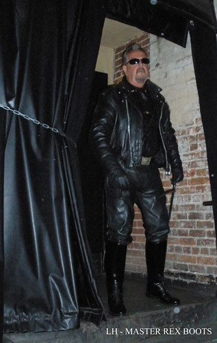 Leather Gay Master 33