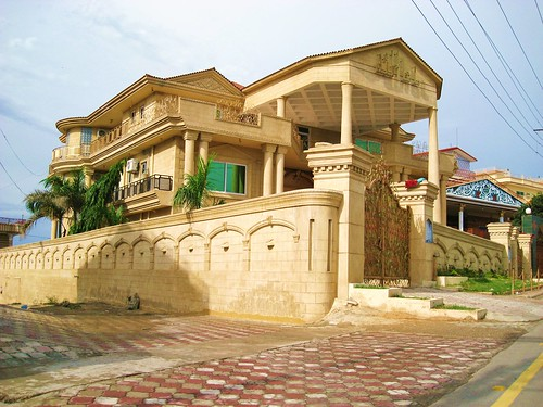 Luxury pakistani house design minimalist home design for Luxury minimalist house