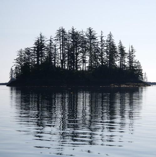 ocean sea summer canada reflection silhouette square island nationalpark bc britishcolumbia 2008 westcoast queencharlotteislands waterscape haidagwaii gwaiihaanas morex moresbyexplorers globalvillage2 lunarvillage