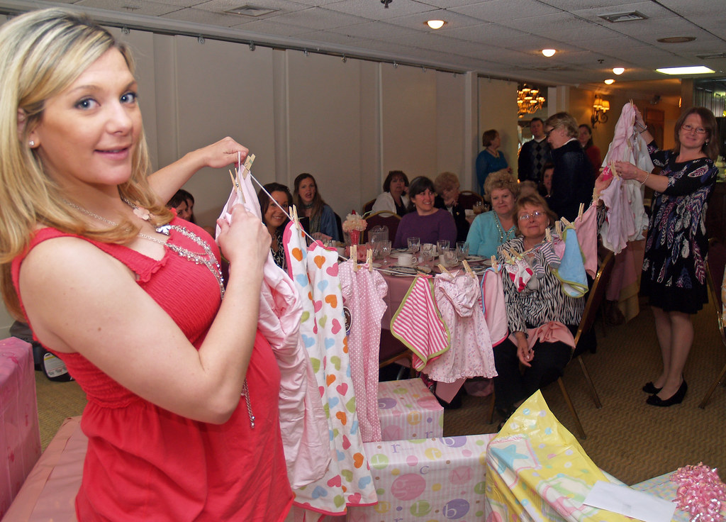 baby shower clothesline  a photo on flickriver, Baby shower invitation