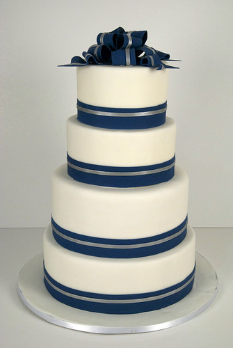 W9045 - navy white silver wedding cake toronto