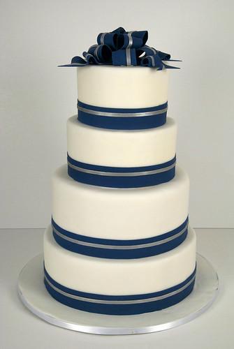 W9045 - navy white silver wedding cake toronto