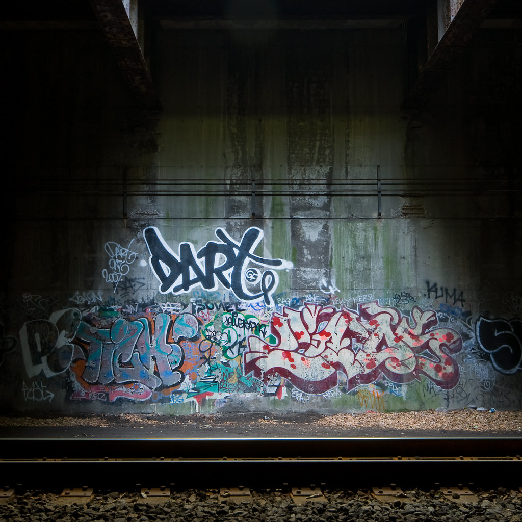 Dart graffiti