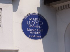 Photo of Marie Lloyd blue plaque