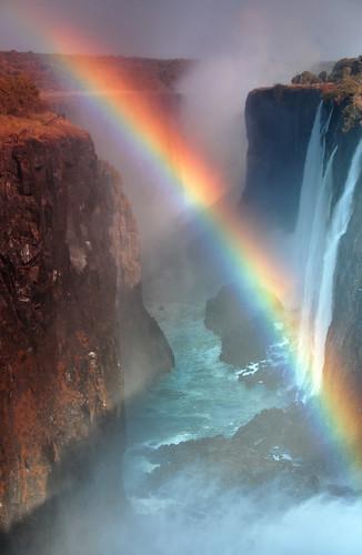 africa waterfall rainbow zimbabwe victoriafalls zambia zambezi livingstone potofgold anawesomeshot top20travelpix