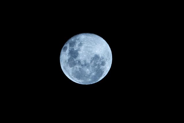 Full Moon Tonight | 200mm . F8 . 1/100 | By ...