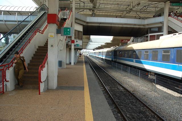 Tåg till Tel Aviv