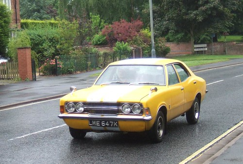 YELLOW - FORD CORTINA - 3