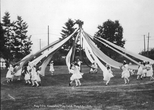 May fete at Hiawatha Playfield, 1914