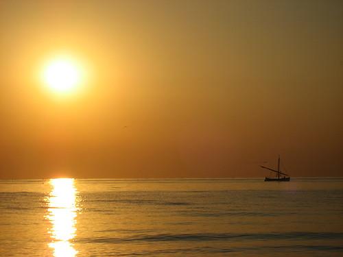 sea italy sun beach yellow sunrise italia mare alba rimini giallo sole spiaggia italie emiliaromagna romagna rivieraadriatica notterosa pinknight platinumphoto goldstaraward