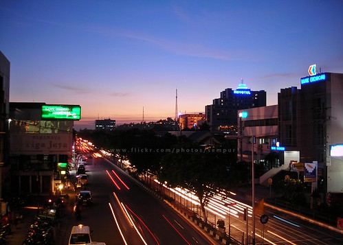 city longexposure sunset urban night skyscraper indonesia landscape evening southeastasia downtown traffic borneo lighttrails novotel kalimantan balikpapan speedoflight supershot nikoncoolpixl3 eastkalimantan mywinners abigfave eastborneo colorphotoaward flickrdiamond damniwishidtakenthat