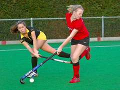 indoor field hockey(0.0), stick and ball games(1.0), sports(1.0), team sport(1.0), hockey(1.0), field hockey(1.0), ball game(1.0),