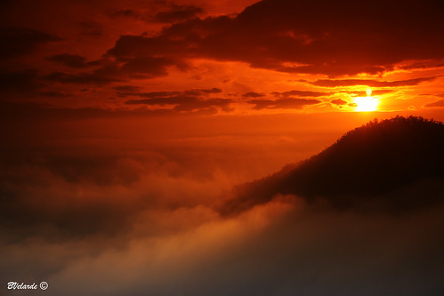 sun mountains sol clouds america sunrise canon eos ecuador south amanecer filter nubes andes sur montañas cokin velarde 50d bernai