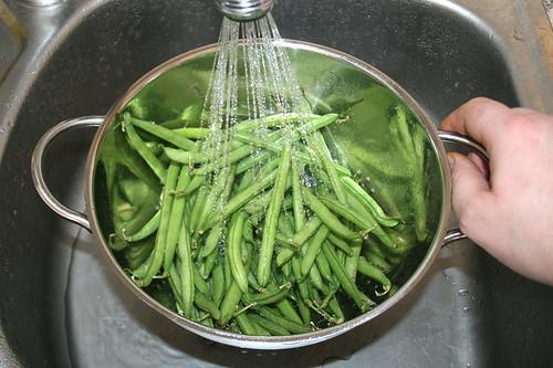 29 - Bohnen waschen / Wash beans