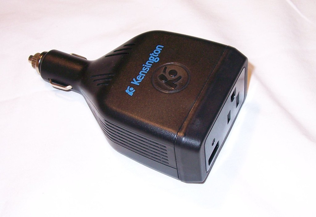 KENSINGTON POWER INVERTER FOR CAR (Brand new)