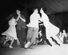 sports(0.0), performing arts(0.0), concert dance(0.0), event(1.0), modern dance(1.0), monochrome photography(1.0), entertainment(1.0), dance(1.0), monochrome(1.0), tango(1.0), black-and-white(1.0), choreography(1.0), performance art(1.0),