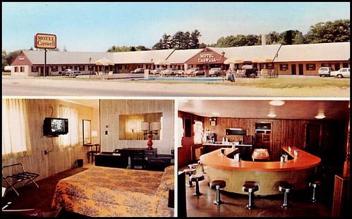 Postcard: Tewksbury, Mass. Motel Caswell