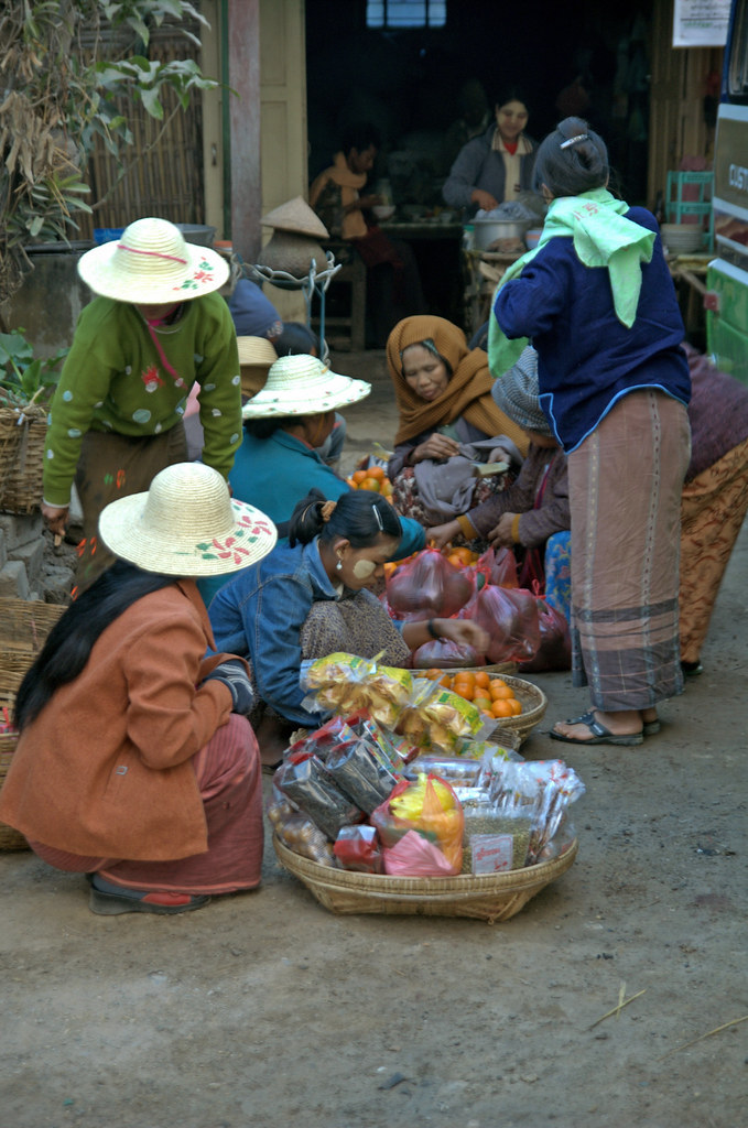 Market Ladies, Myanmar