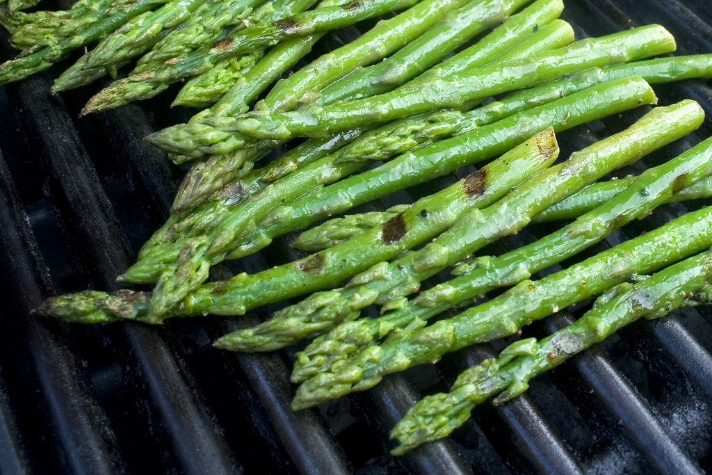 asparagus cooked, boiled, drained