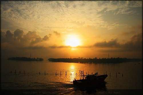 morning india sunrise canon earlymorning kerala goodmorning mothernature naturephotography agni beautifulnature colorsofnature natureview naturepictures poornam natureimages naturewallpaper morningraga canoneos400d aplusphoto naturepaintings naturebackground amazingnaturepictures