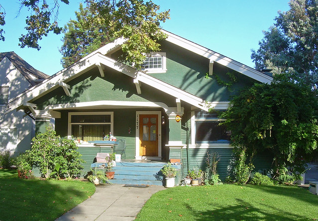 Craftsman house flickr photo sharing for California bungalow vs craftsman