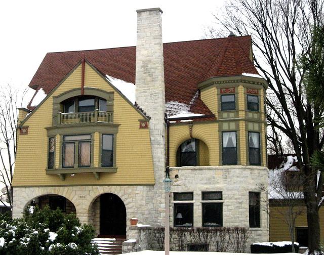 Old Elmhurst House Flickr Photo Sharing