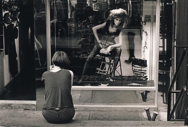 Enz's on St. Mark's, NYC 1983 (Dan Larson)