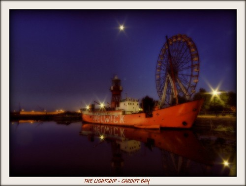 THE LIGHTSHIP - CARDIFF BAY