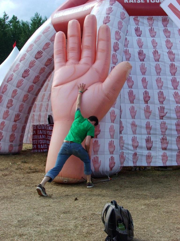 praise the hand?