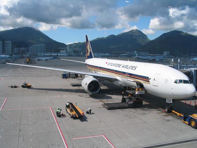 Singapore Airlines 777-200 9V-SQD