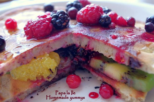 Pancakes cu ciocolata si fructe (15)