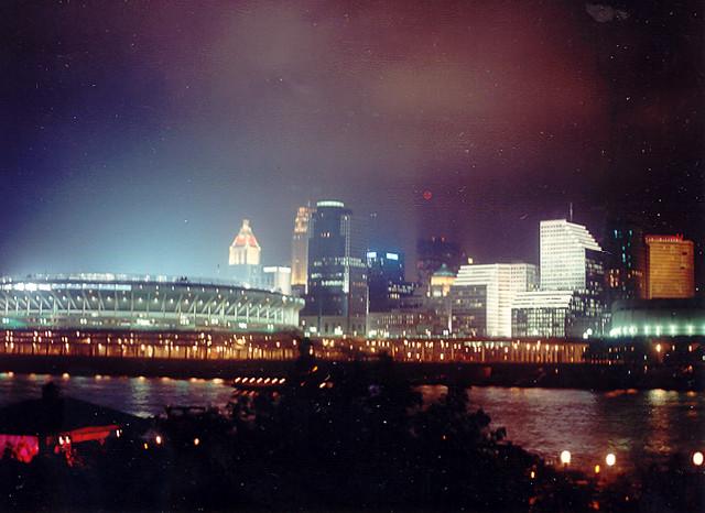 Cincinnati Skyline wit...