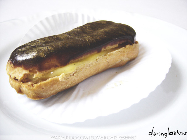 Daring Bakers: Chocolate Éclair do Pierre Hermé | Flickr - Photo ...
