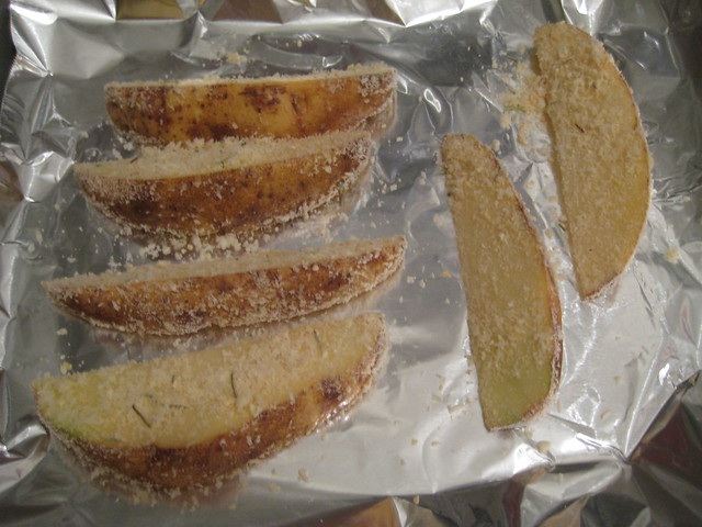 how to make homemade potato wedges in the oven