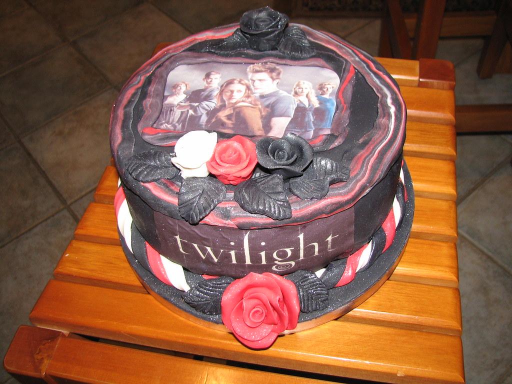 Admirable Twilight Birthday Cake Lisa Templeton Flickr Funny Birthday Cards Online Overcheapnameinfo