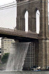 NYC: Brooklyn Bridge - New York City Waterfalls