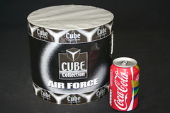 aluminum can(1.0), soft drink(1.0), tin can(1.0), drink(1.0),