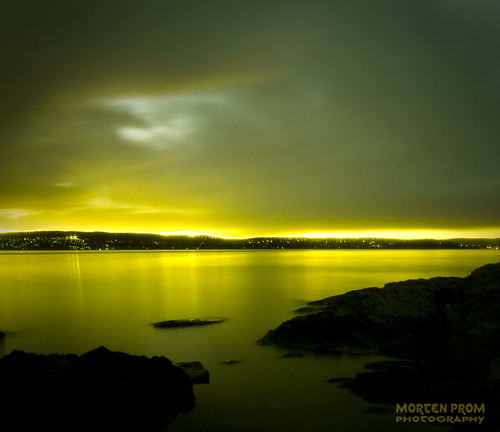 ocean longexposure autumn light sunset sea sky panorama sun black color reflection green fall beach nature water yellow oslo norway stone clouds dark landscape golden evening norge rocks skandinavien norwegen wideangle explore noruega scandinavia 2008 oslofjord malmøya noorwegen noreg wideangel sigma1020mm nesodden skandinavia nesoddtangen canoneos40d platinumheartaward damniwishidtakenthat mortenprom