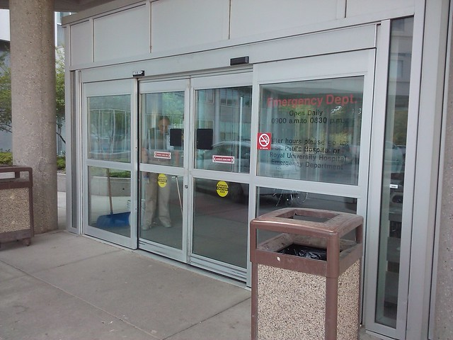 Automatic sliding door gyro tech
