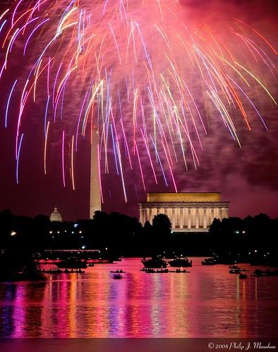 reflection dc washington districtofcolumbia nikon fireworks fourthofjuly lincolnmemorial july4th washingtonmonument capitolbuilding uscapitolbuilding washigtondc d80 nikond80