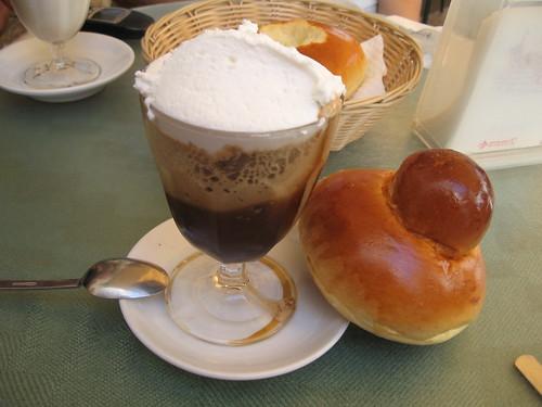 [Taormina] [cibo] granita caffè con panna e brioche