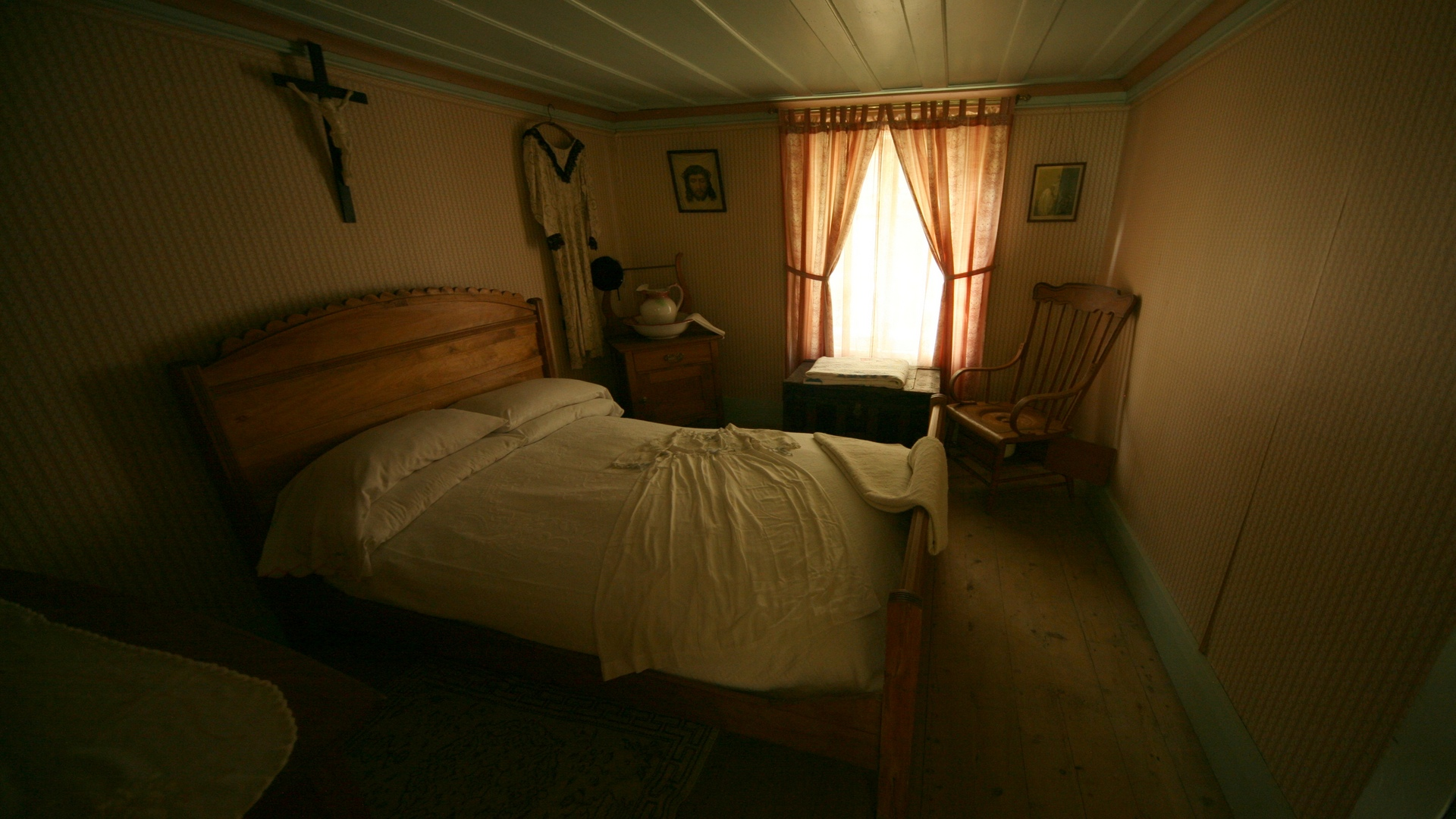 Une autre chambre d 39 poque another room old style flickr for Chambre d autre
